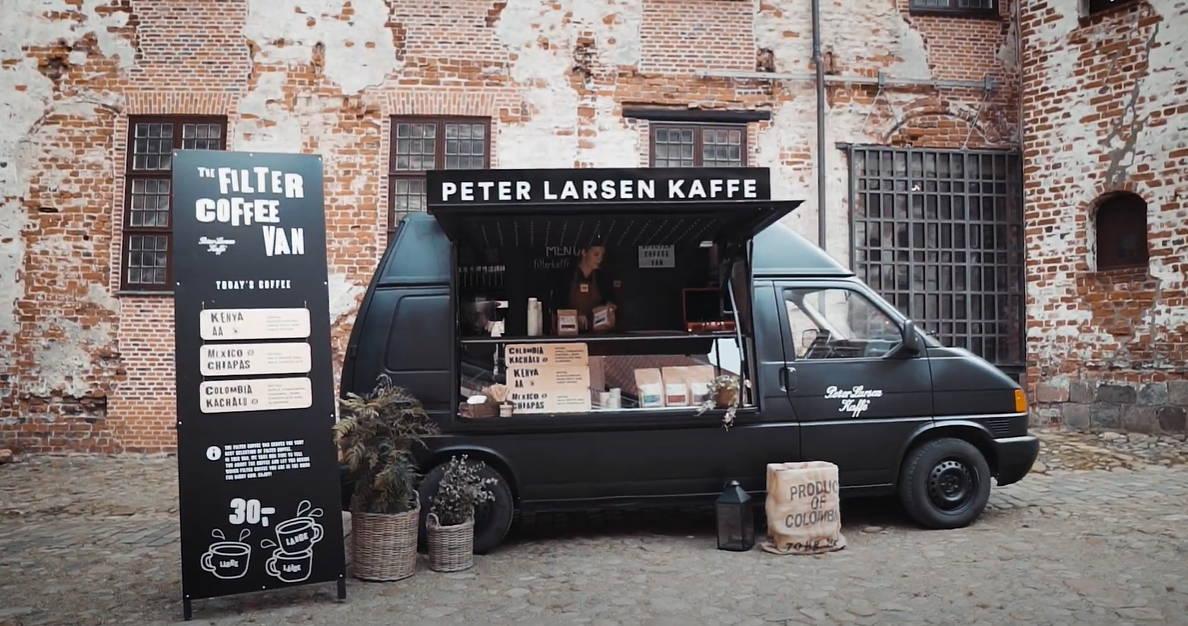 Sort kaffebil på Kolding hus