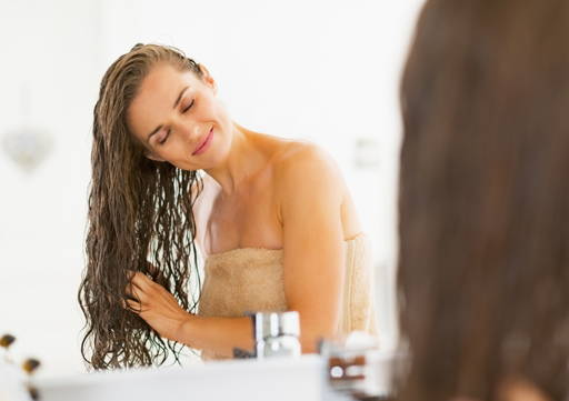 Hair Rub onto dry hair (you can use a compress), after an hour wash off with a delicate shampoo. It can be also used as a serum for damaged hair tips.