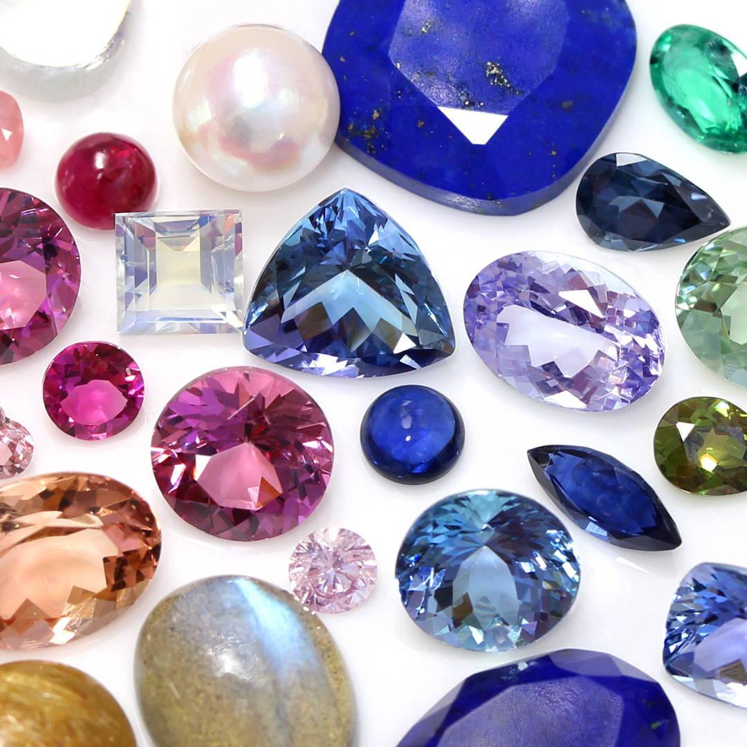 様々な宝石 ルース 集合