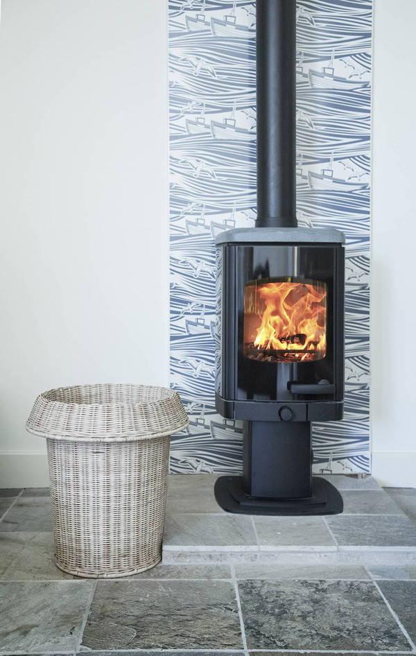 Vlaze heat shield wood stove