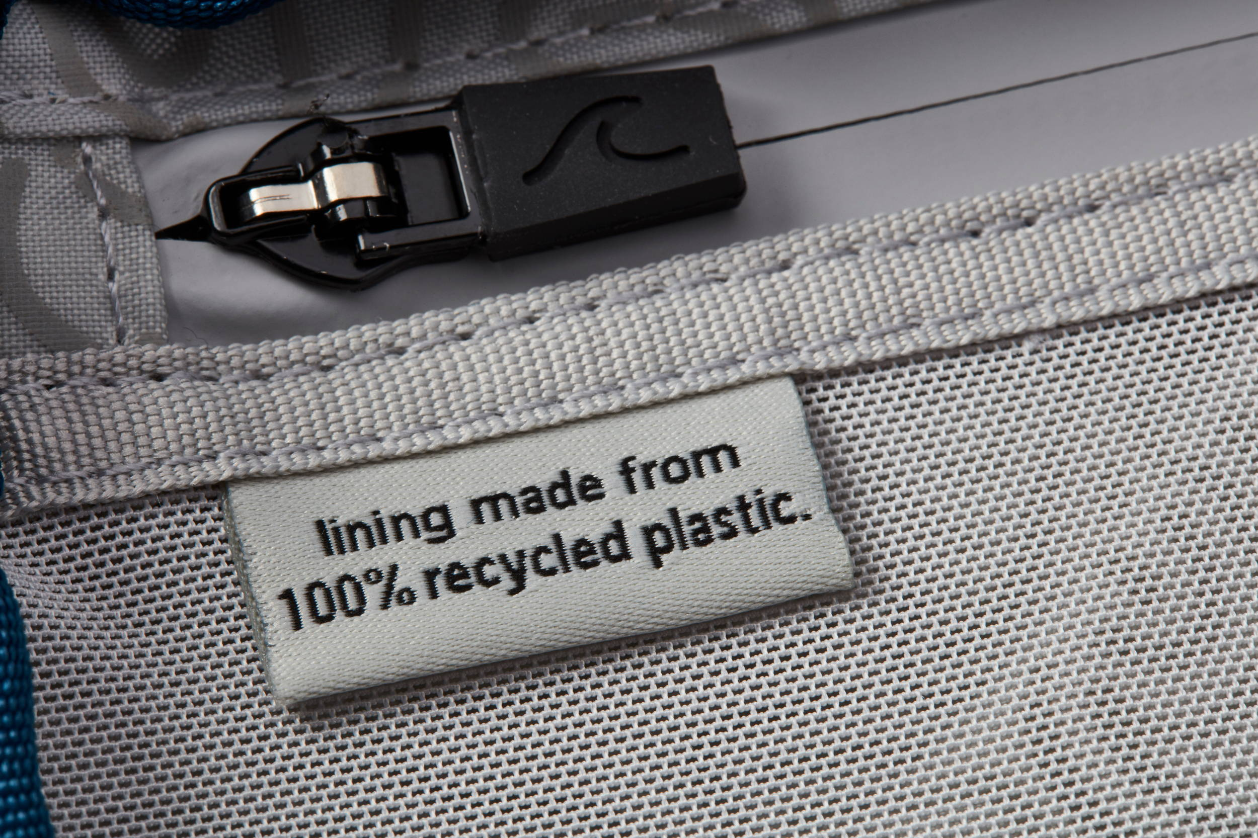 The lining of our OneNine5 wash bag is made from 100% recycled plastic (rPET)
