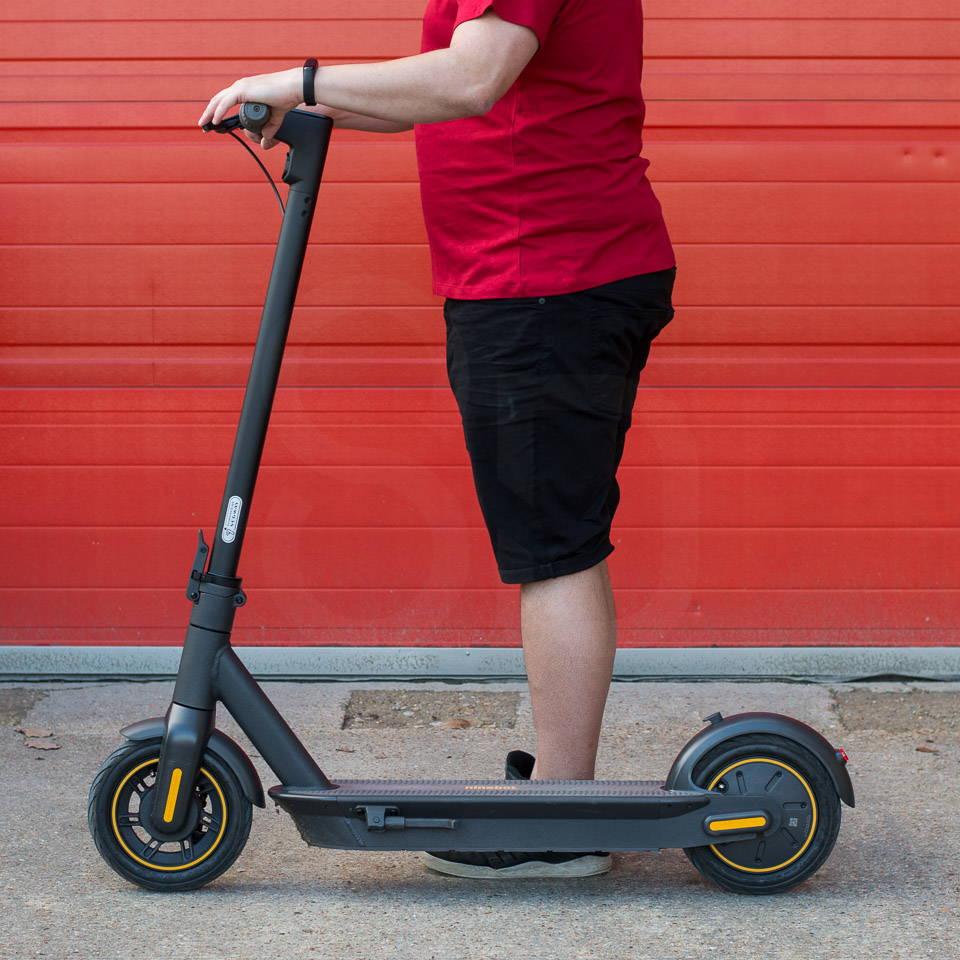 重型成人電動滑板車 Ninebot Max G30 側