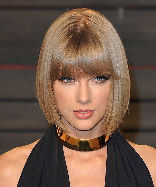 Taylor Swift with a blondey brown blunt bob