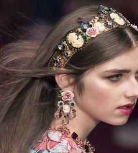 Bandeau avec embellissement floral