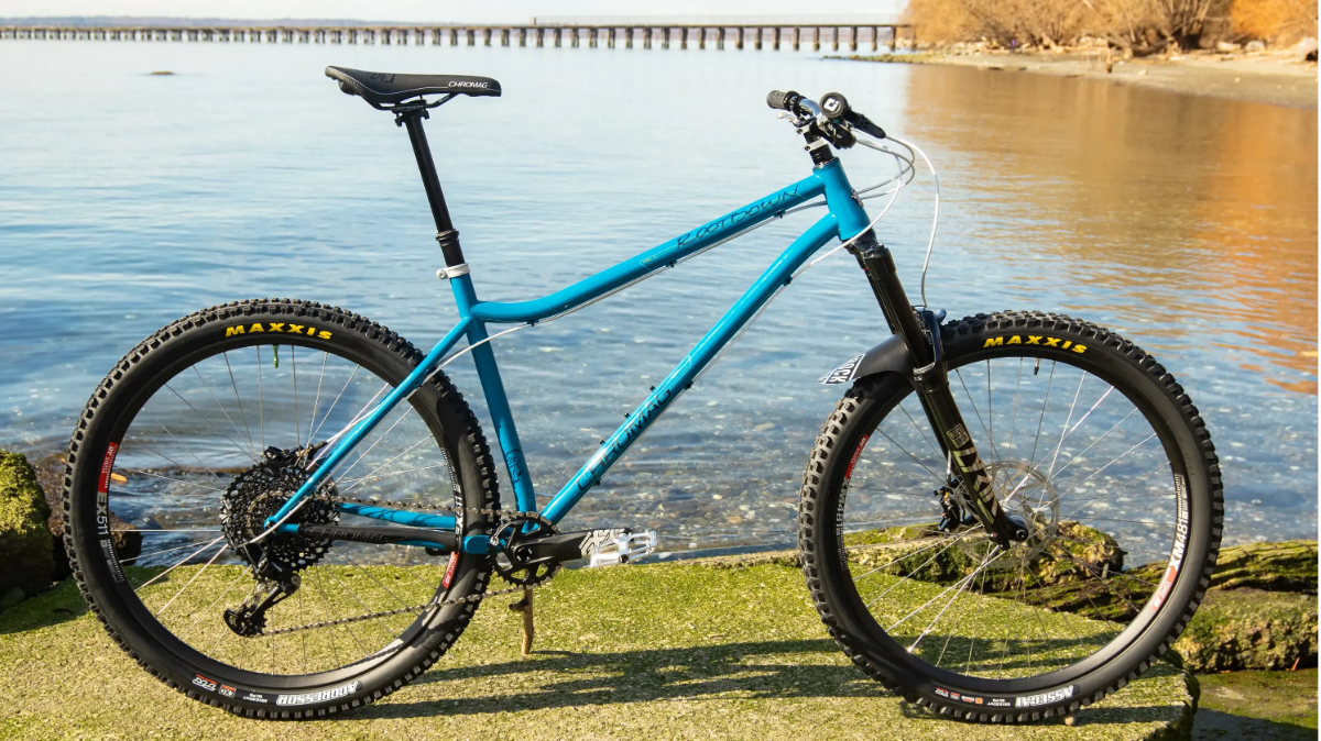 Custom Chromag Rootdown 29er 29in indigo blue maxxis aggressor maxxis assegai rockshox lyrik ultimate series