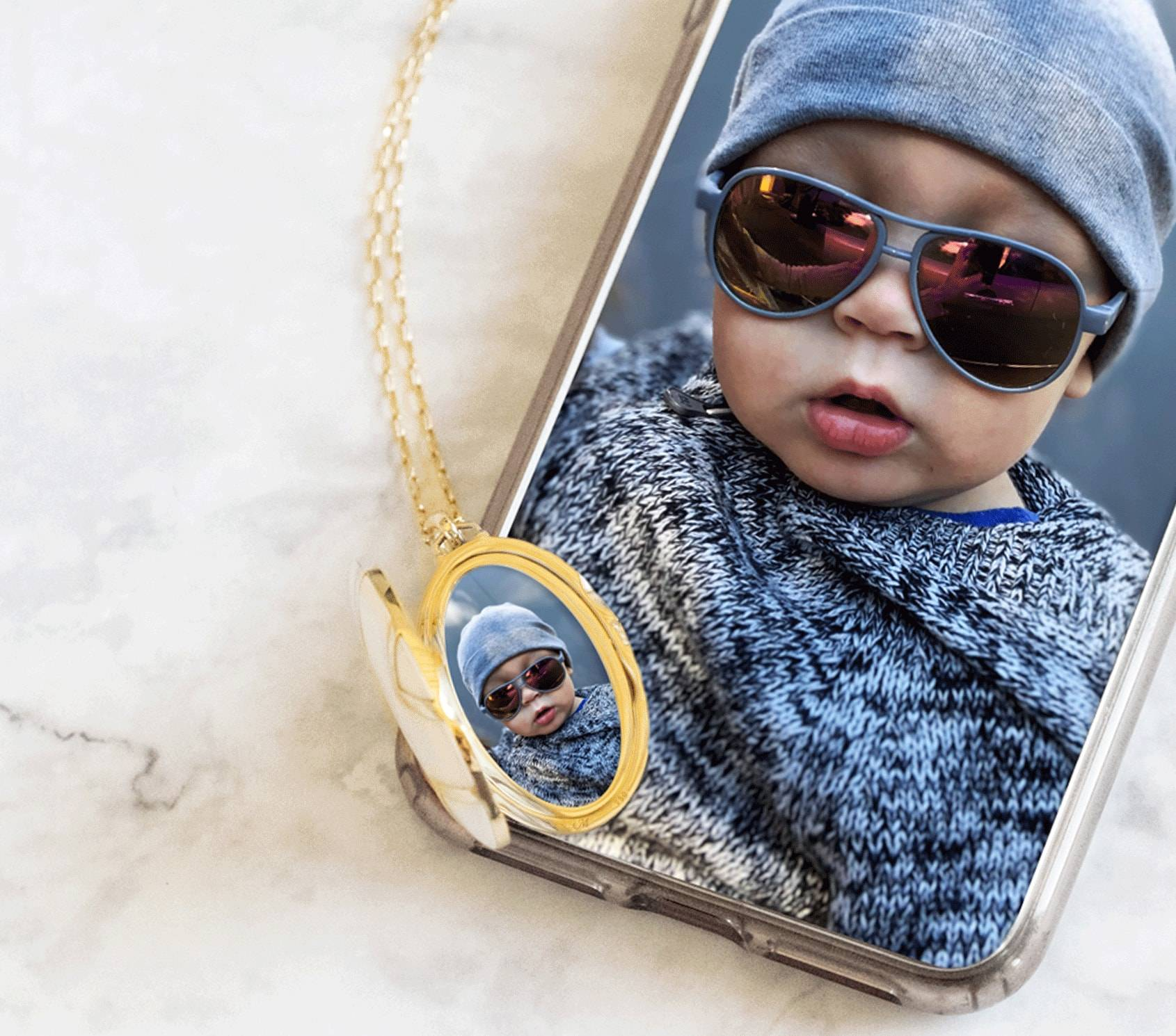 From Your Phone Into Your The Locket Bar