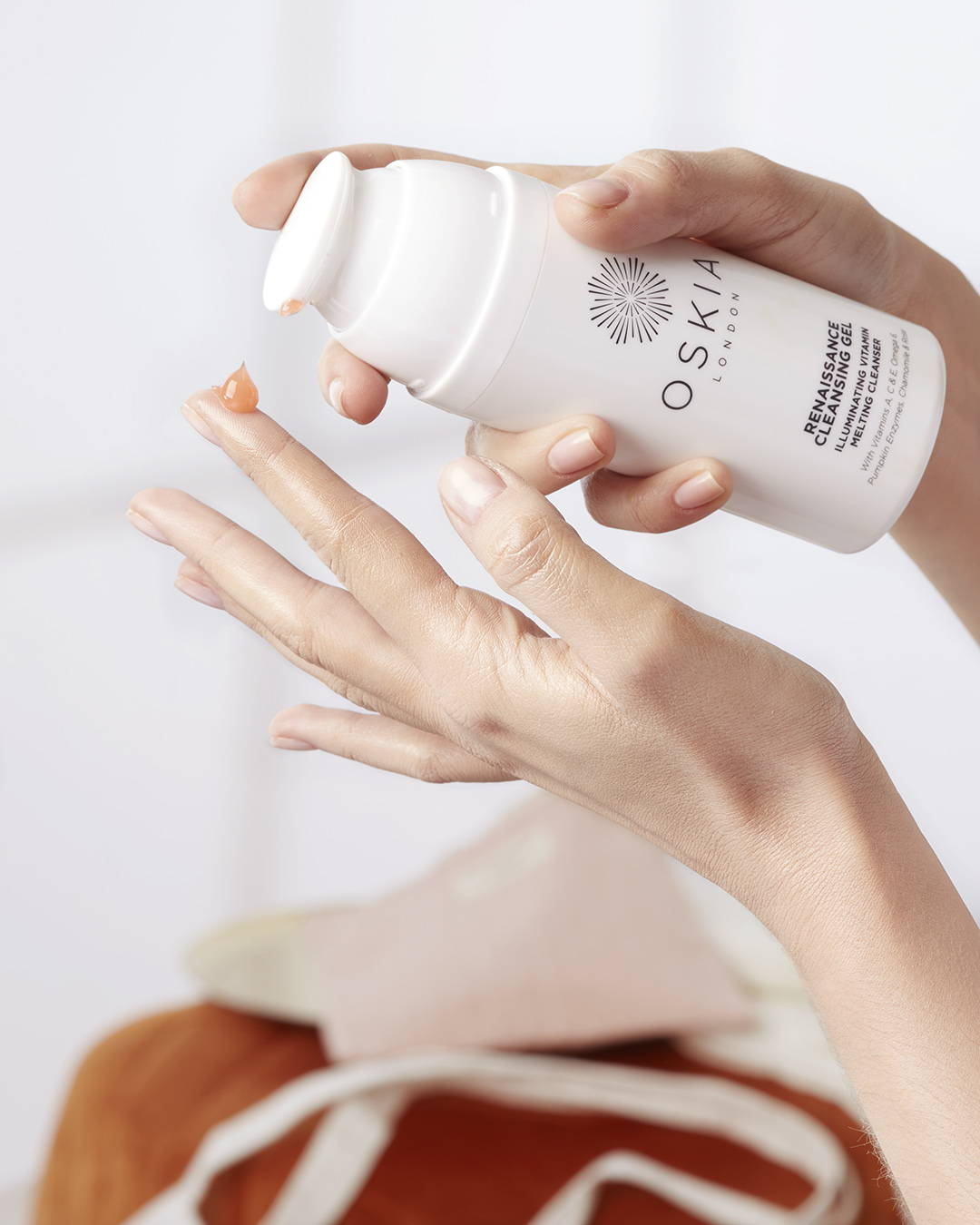 Lancement Oskia: Renaissance Cleansing Gel pack et texture