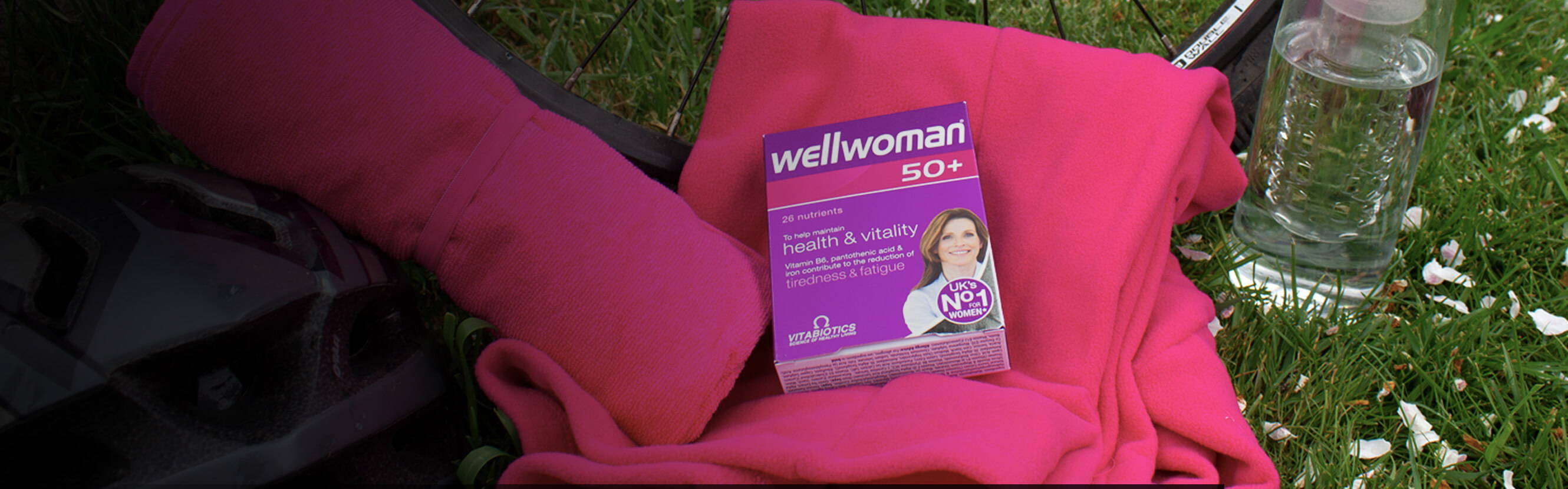Wellwoman 50+ Pack On The Grass