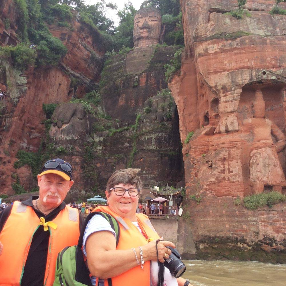 Travelbay Customer Reviews - Ray & Rose Schmidt in China - Giant Buddha, Leshan