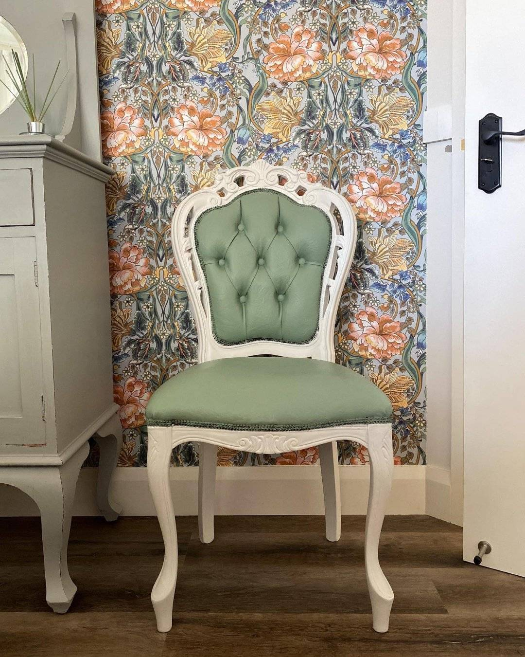 JOlie Paint Stylish Patina Home