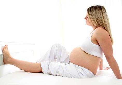 Während der Schwangerschaft können Muskelkrämpfe erste Anzeichen eines Magnesiummangels sein