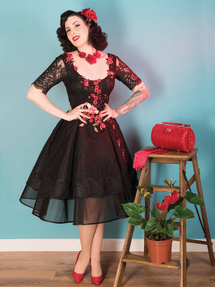 Chotronette red black lace roses dress