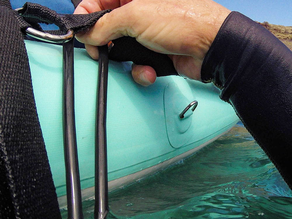 attaching items to the endurance air inflatable paddle board