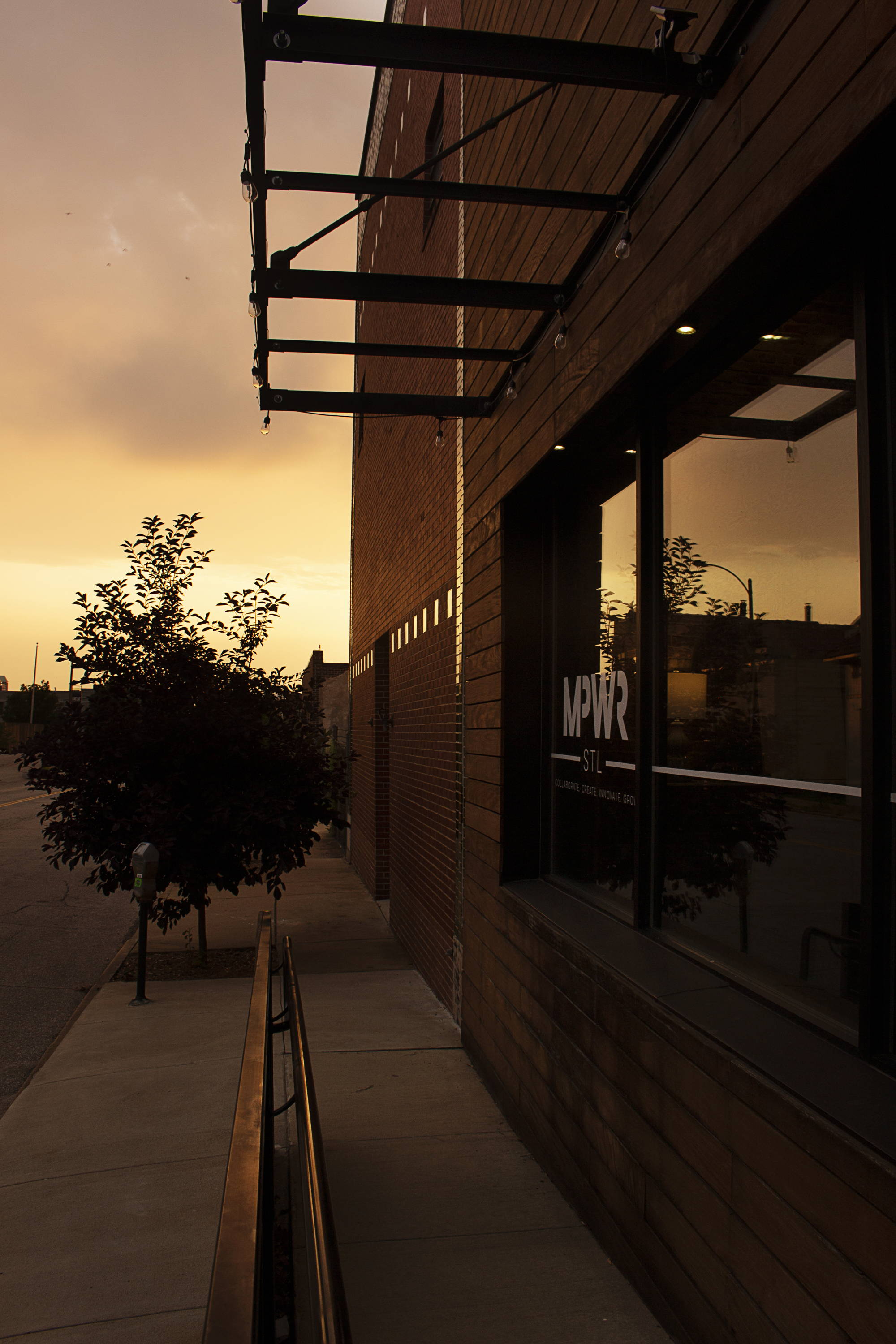 mpwr stl, women's only co-working space in stl