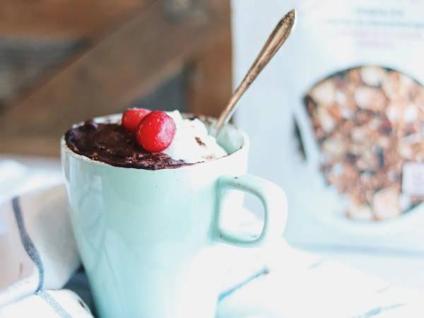 Recette de gâteau dans une tasse de Isabelle Huot!