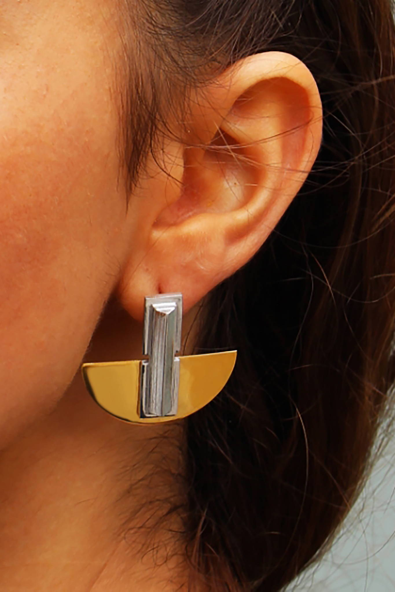 CLASSIC STATEMENT JEWELRY Sophisticated contemporary metallic accessories