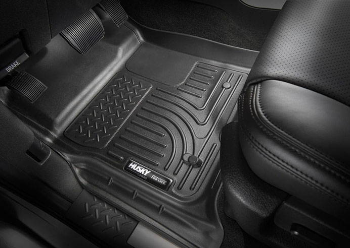 Husky Liners Classic Style Custom Fit Molded Front Floor Liner for Select Isuzu//Chevrolet//GMC Models Black