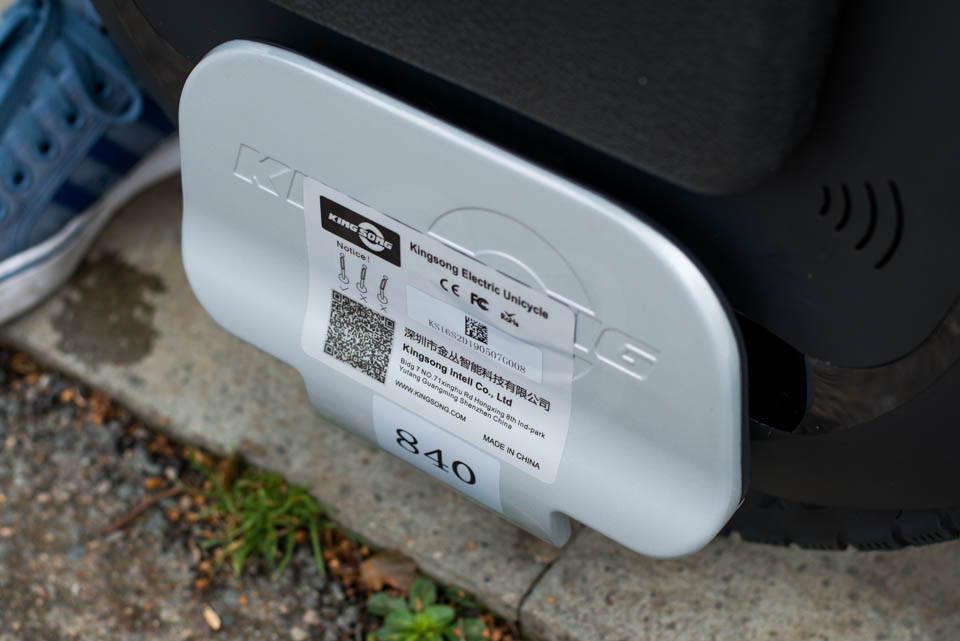 Kingsong KS16S Review footplates footpeg raised sticker