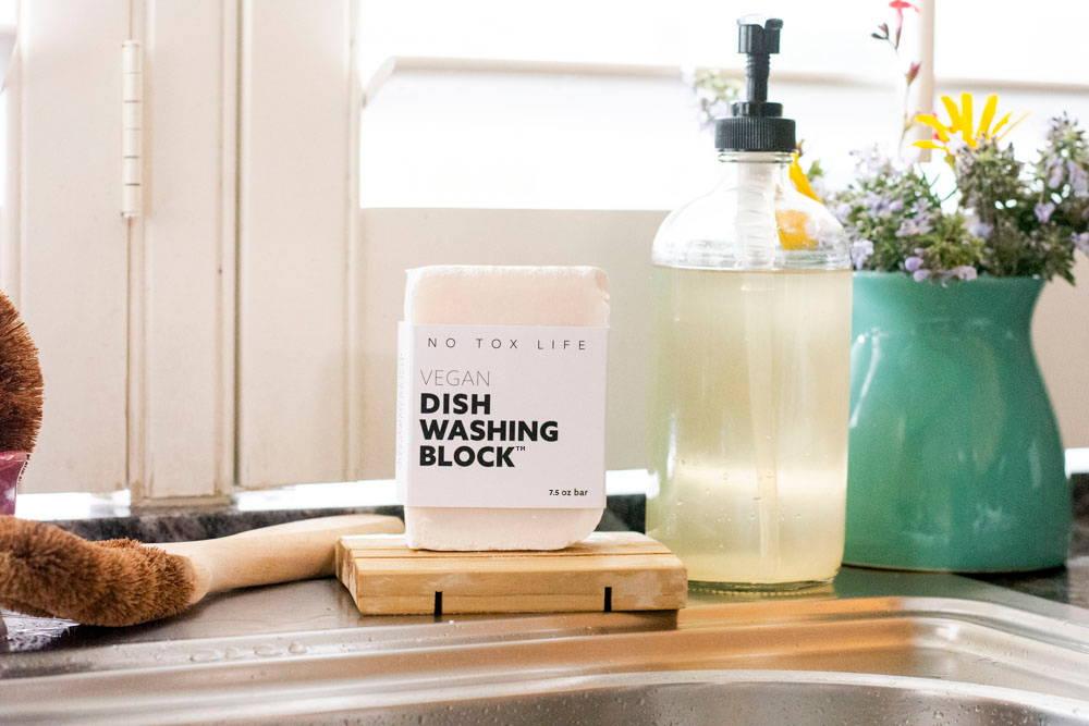 No Tox Life dish washing soap