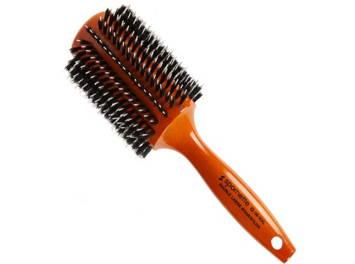 une brosse ronde à poils mixtes