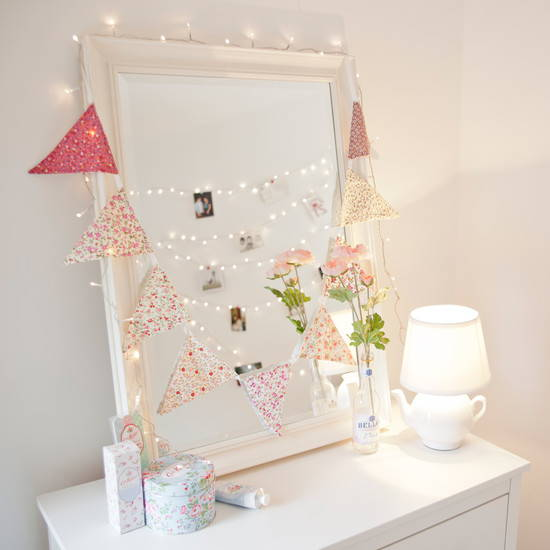 Bedroom Fairy Light Ideas: From Vintage to Quirky ...