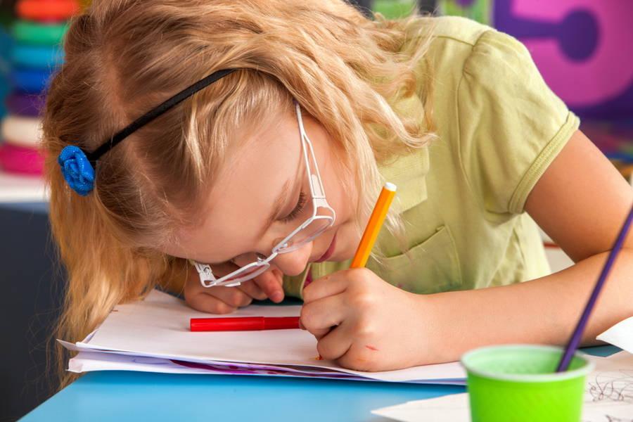 Causes of myopia in kids