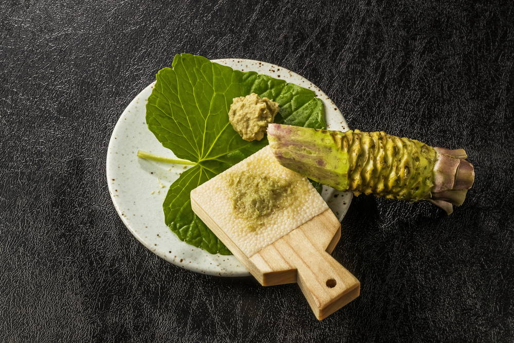 wasabi root and grinder