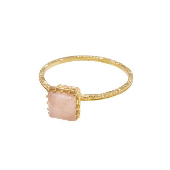 טבעת זהב 14 קראט עדינה עם רוזקווארץ