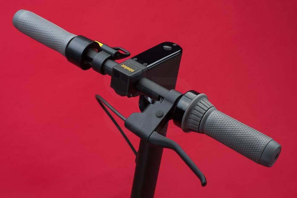 Ninebot Max G30 電動滑板車評測車把已安裝