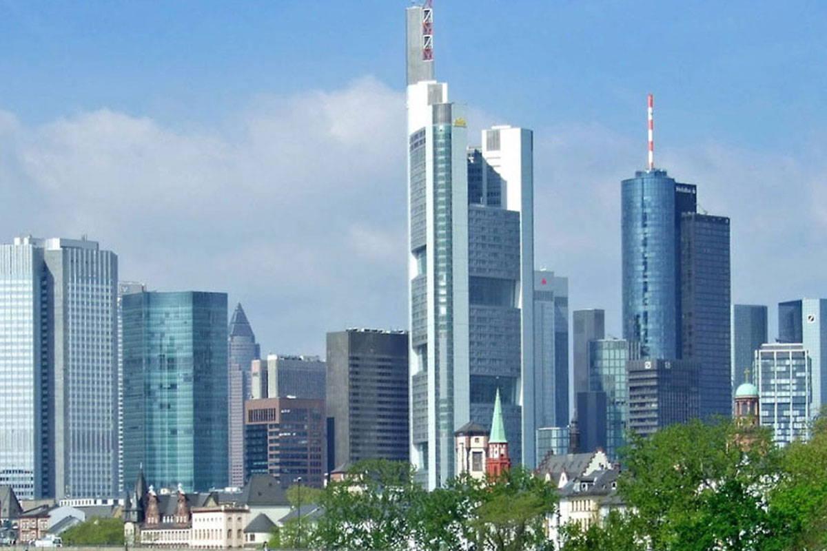 Bild der Großstadt Zentral Europa DACHNLI