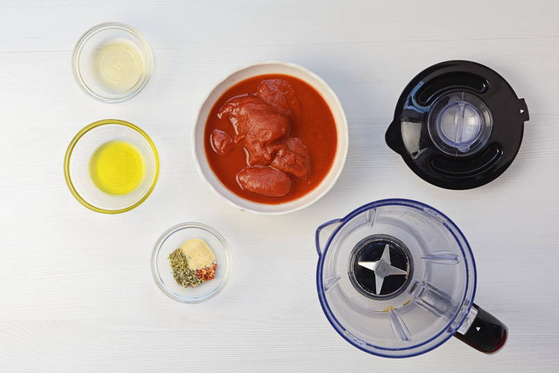 ingredients for tomage pizza keto sauce