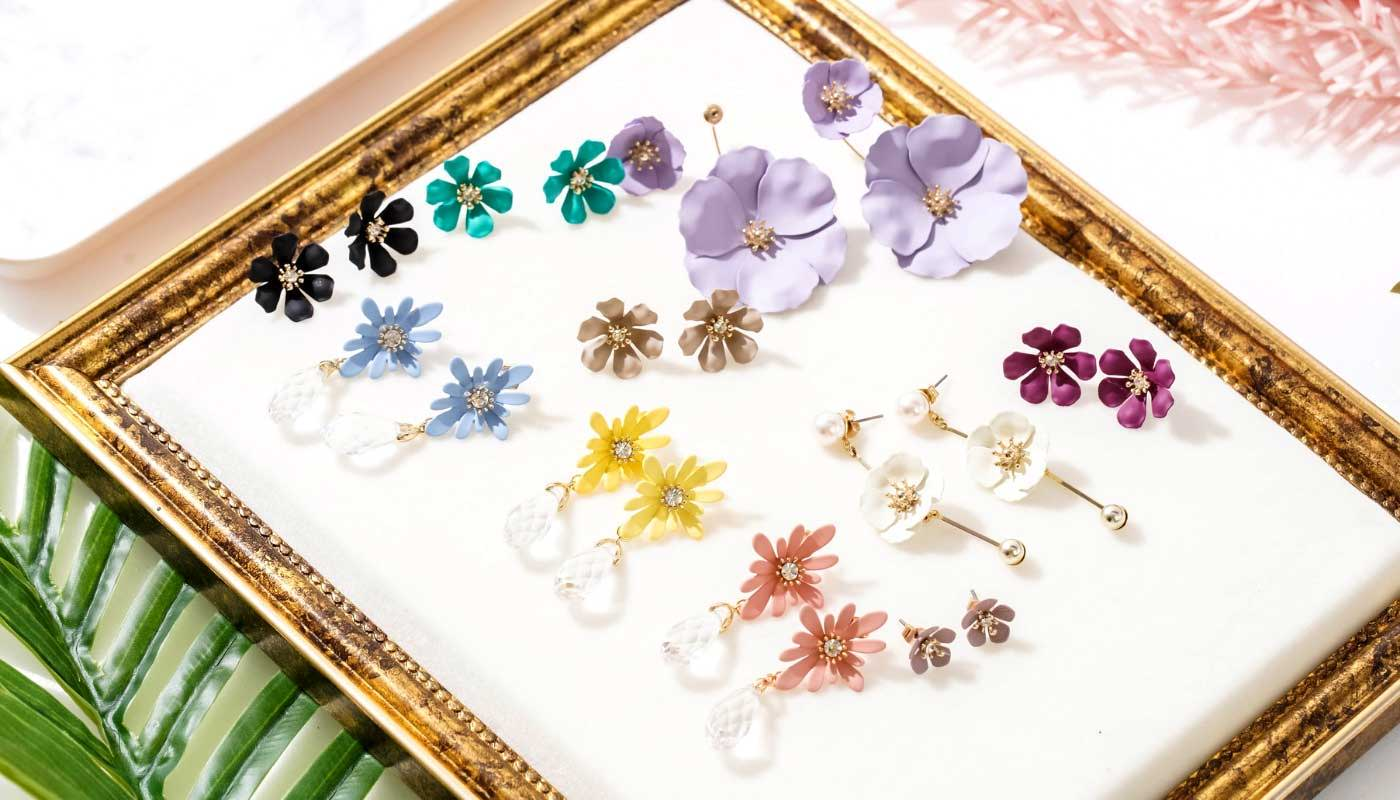 withbling-with-bling-blooming-collection-flower-titanium-earrings-necklace