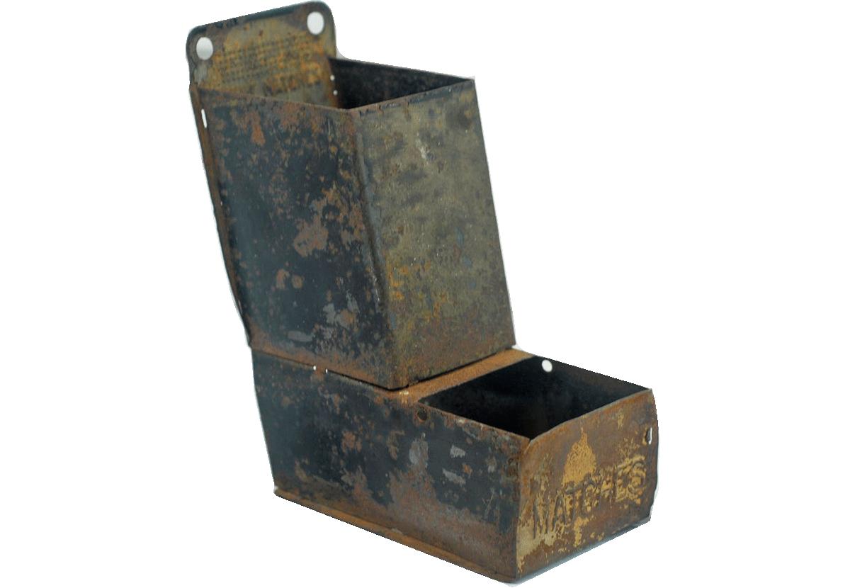 Tin match safe
