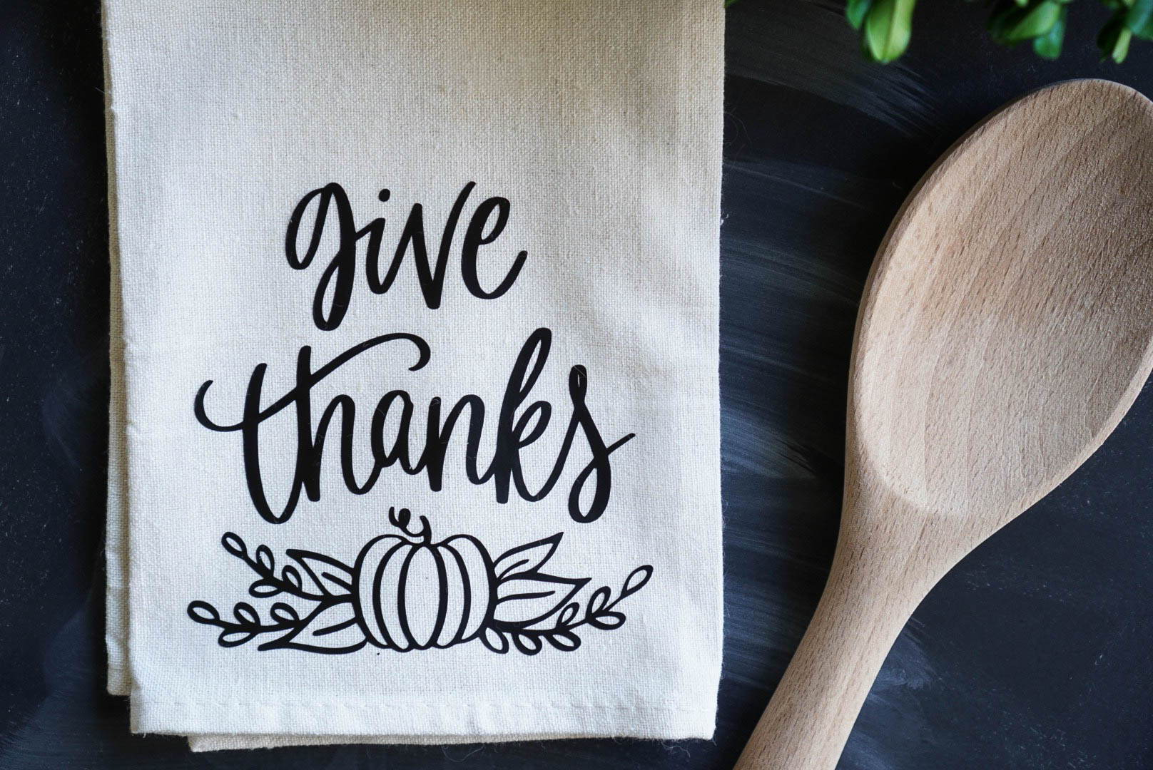 Diy Thanksgiving Tutorial How To Use Heat Transfer Vinyl On Cotton Tea Towel