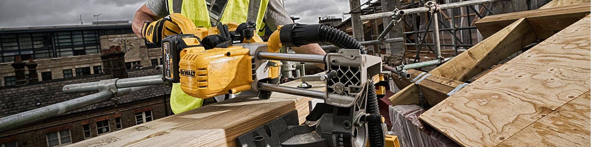 DCS778 Dewalt 54V Mitre Saw Review