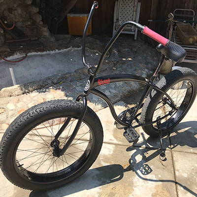 The Slugo Beach Cruiser bike with ape hanger handlebars.