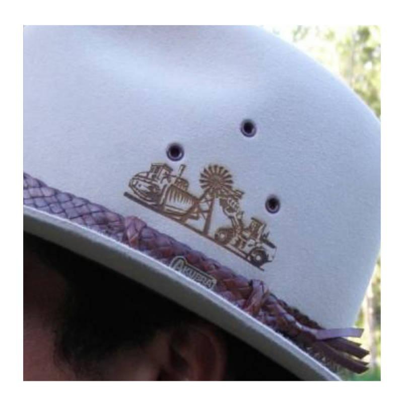 Add a cutsom logo to your hat