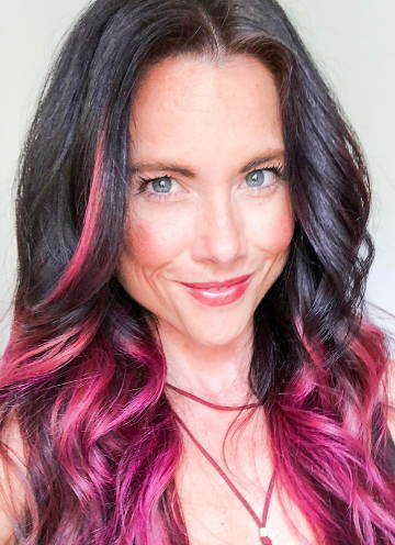 Beachwaver Brand Ambassador Nikki Cagle