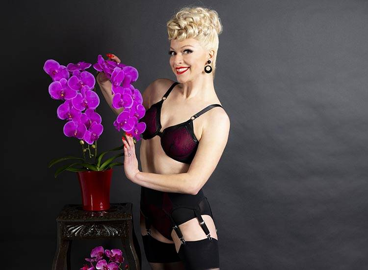 vintage lingerie inspired by the 1950s