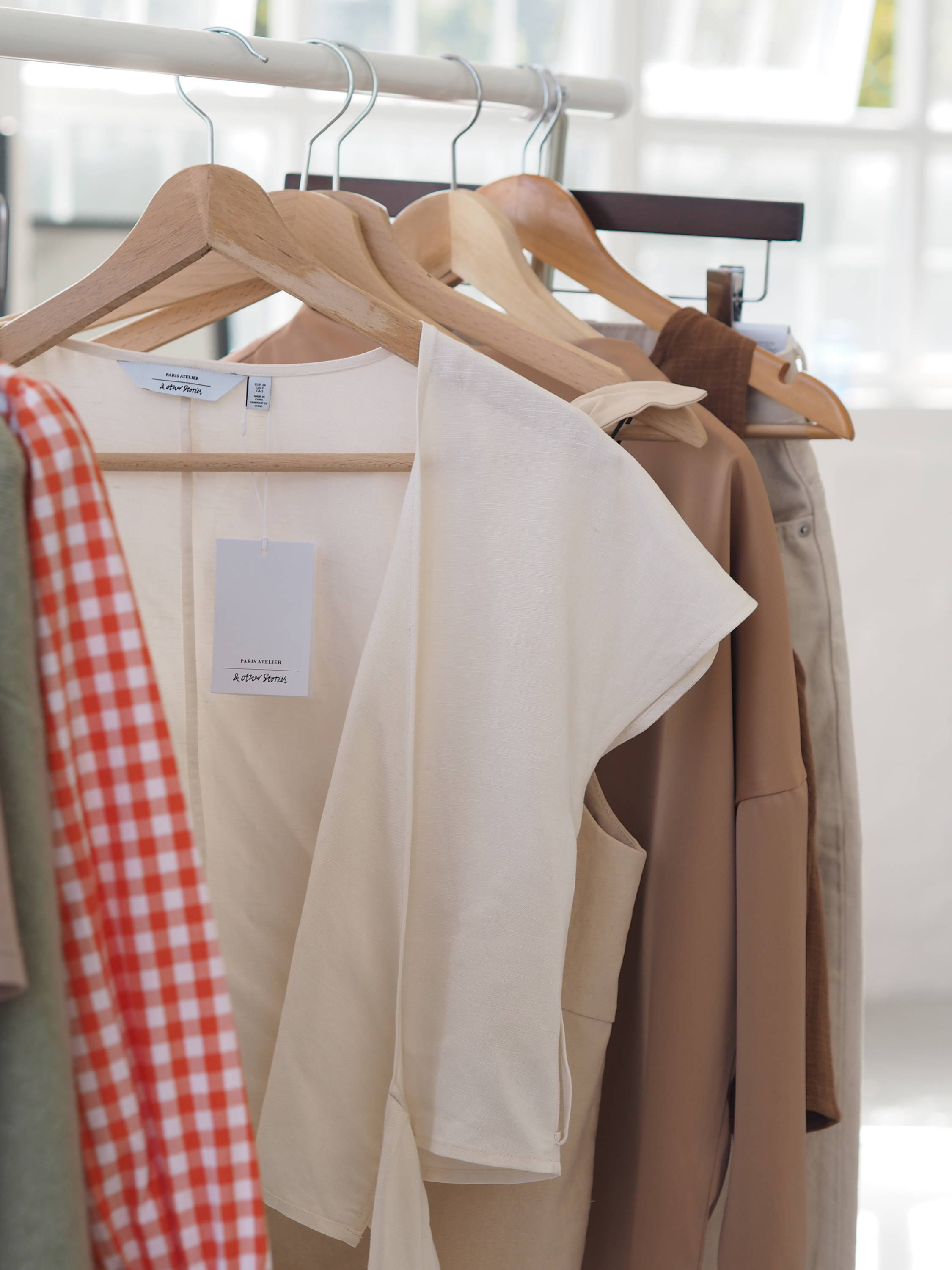 Clothes rail | Behind the scenes