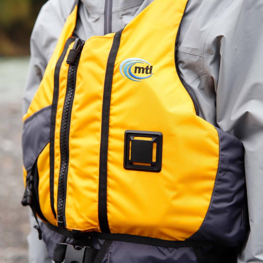 MTI(エムティーアイ)/ライフジャケットコンプ3/イエロー/UNISEX