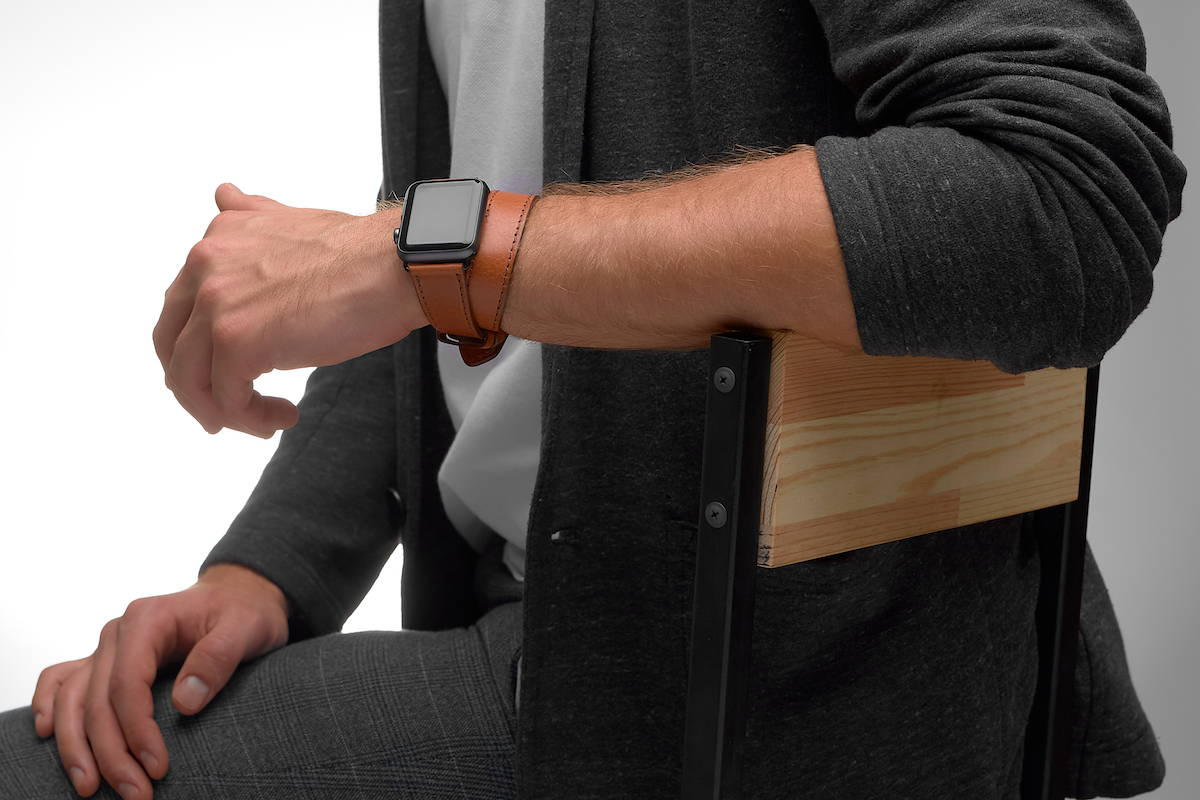 double tour apple watch band on men's hand