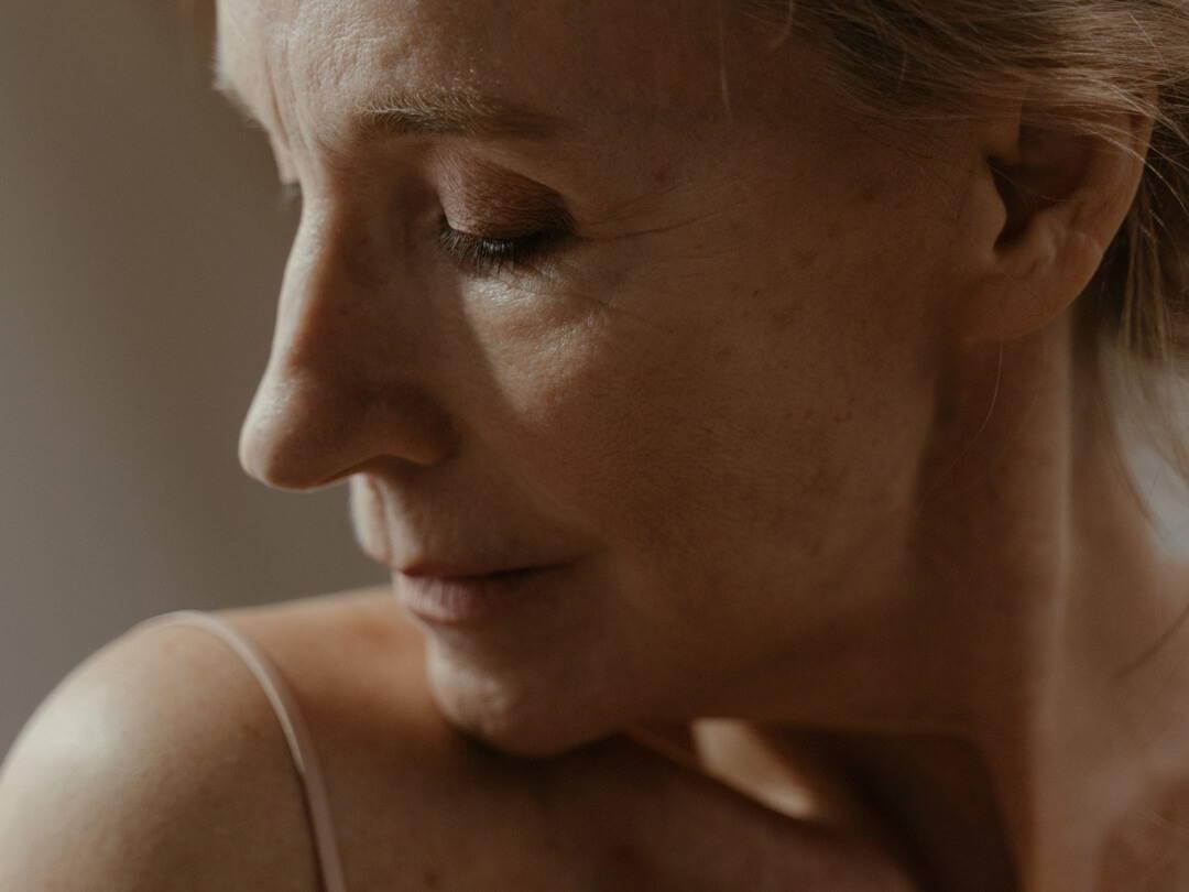 Wechseljahre hautnah Teil 1: Hautprobleme durch Östrogenmangel | Five Skincare