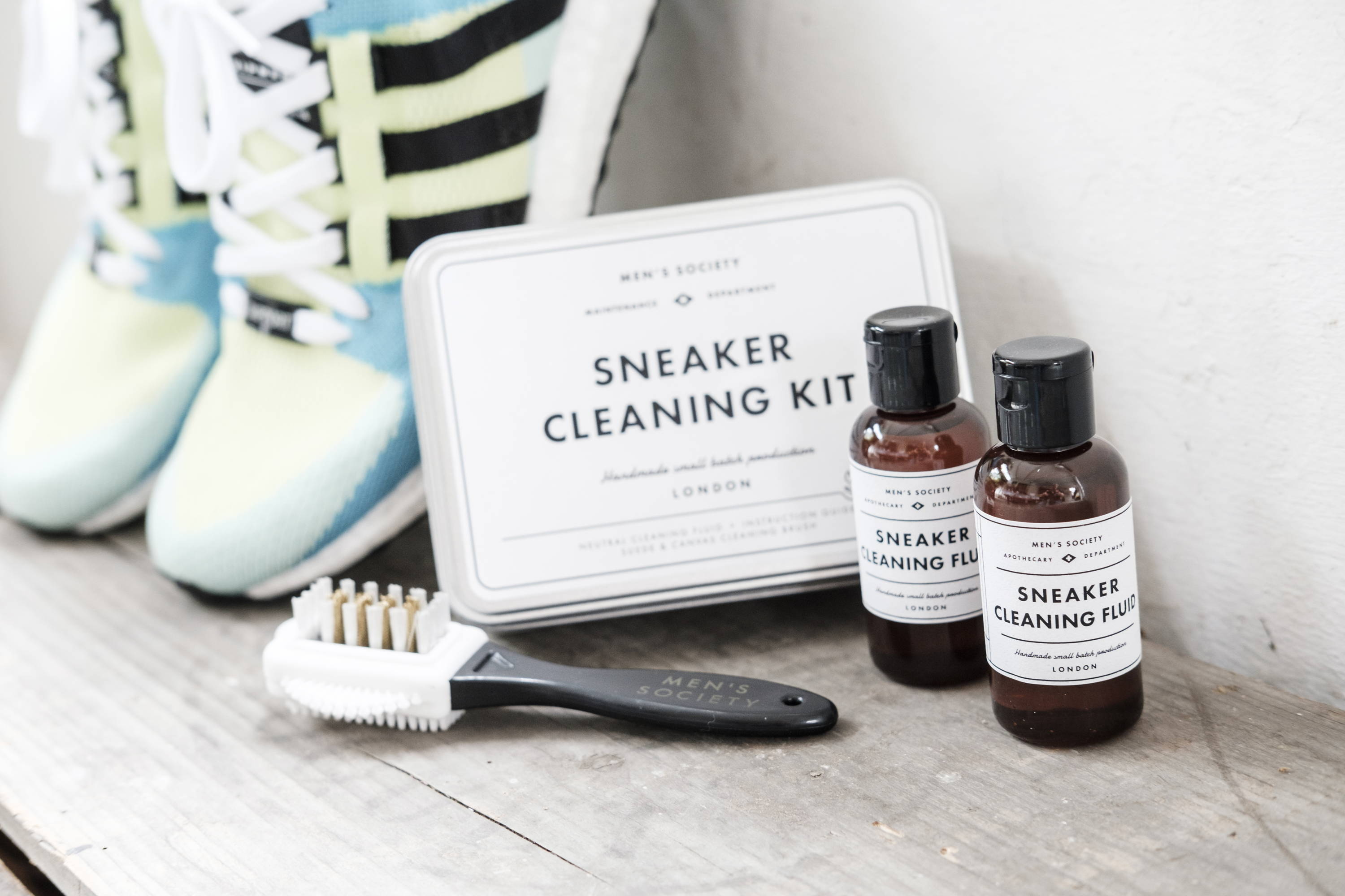 Wholesale Sneaker Cleaning Kits and Accessories