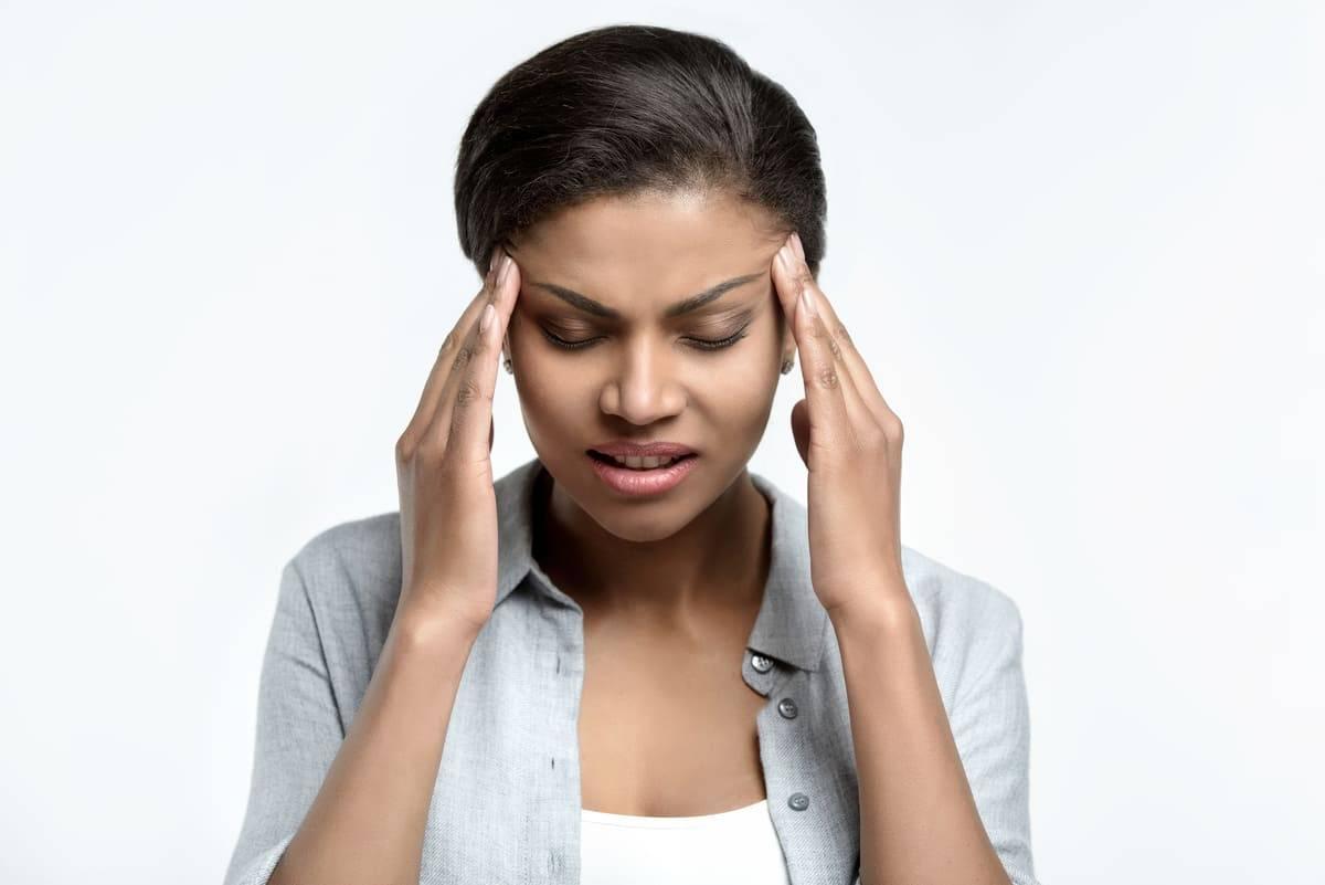 Wimpernserum-Kopfschmerzen