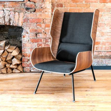 Gus Chairs & Stools