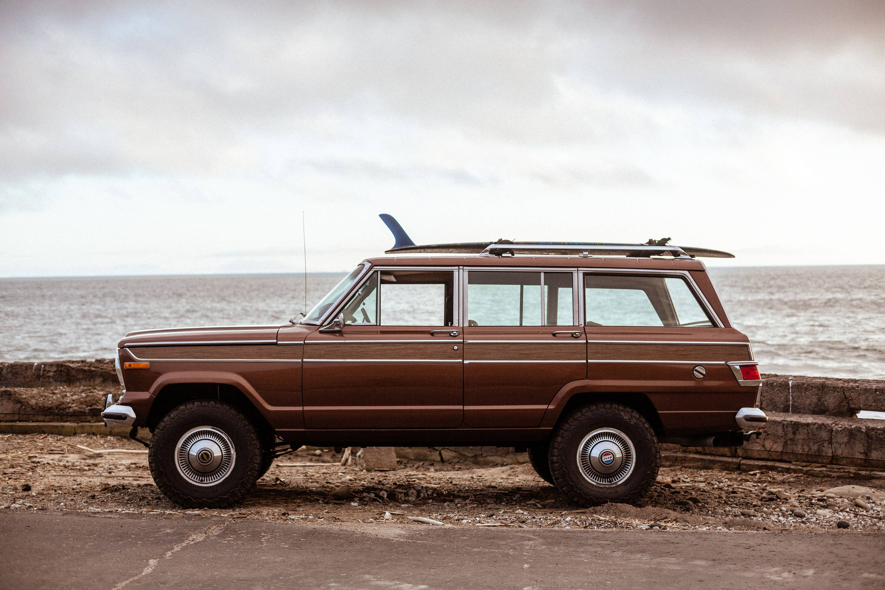 New Legend 4x4 x Iron & Resin 1978 Jeep Wagoneer Left Side Photograph