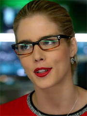 Felicity Smoak jewelry