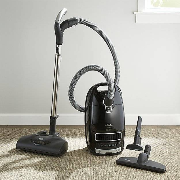 NEW MIELE COMPLETE C3 KONA CANISTER VACUUM, OBSIDIAN BLACK