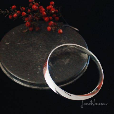 sterling silver mobius bangle